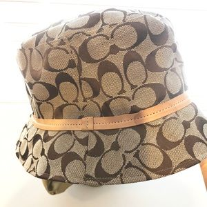 Coach Signature khaki bucket hat